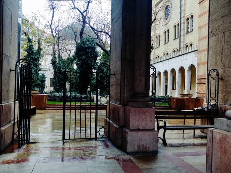 Jardin budapest synagogue