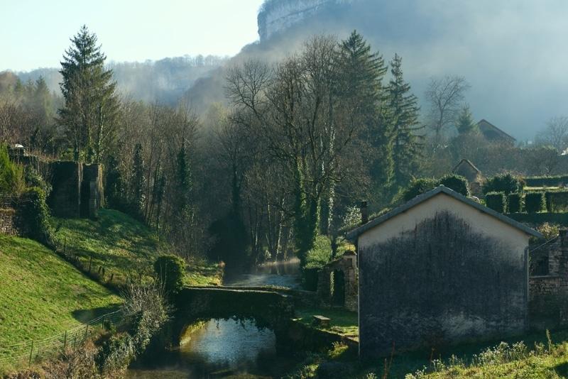 Jura village de Baume les Messieurs
