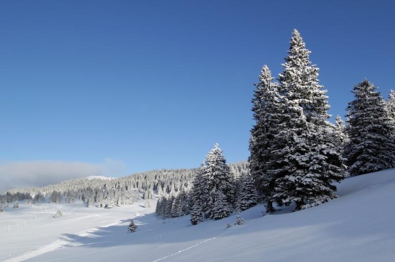 Jura sous la neige station foncine le haut
