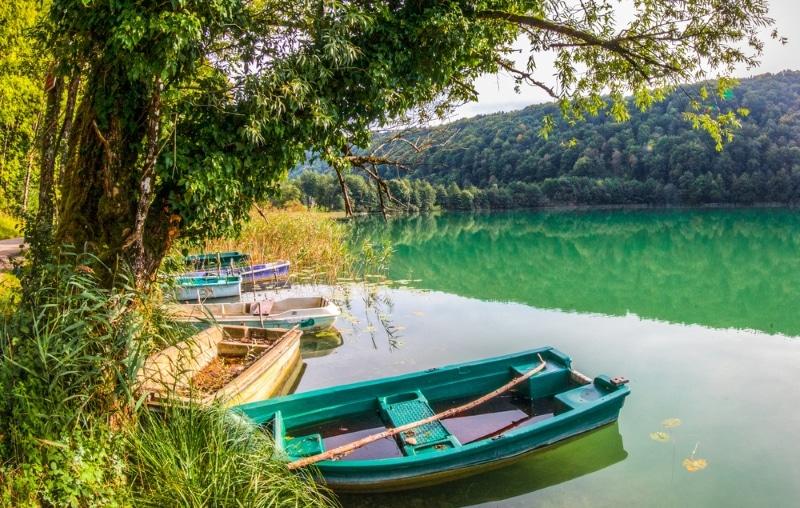 Haut-Jura Parc régional lac et bateaux