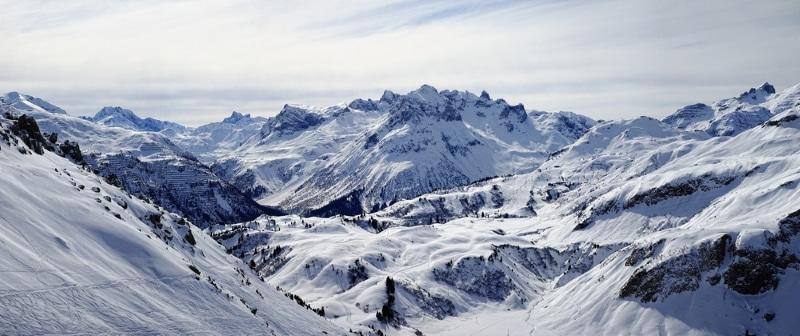 montagnes dans les Alpes autrichiennes pour skier