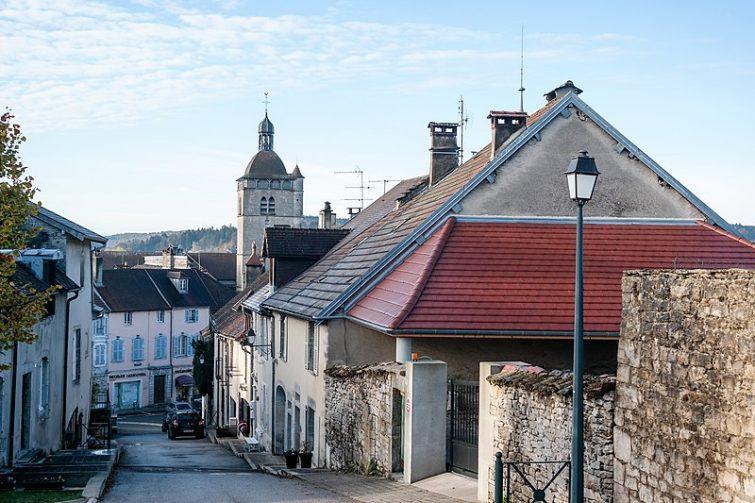 Village d'Orgelet dans le Jura