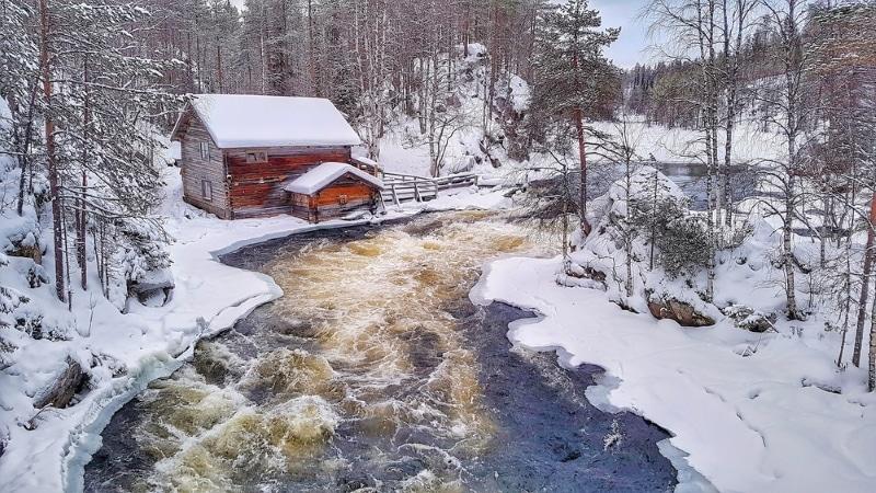 Parc national d'Oulanka sous la neige / Cabane