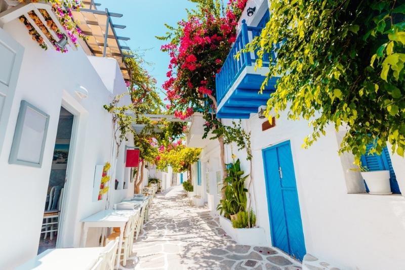 Paros où sortir dans les rues colorées de naoussa
