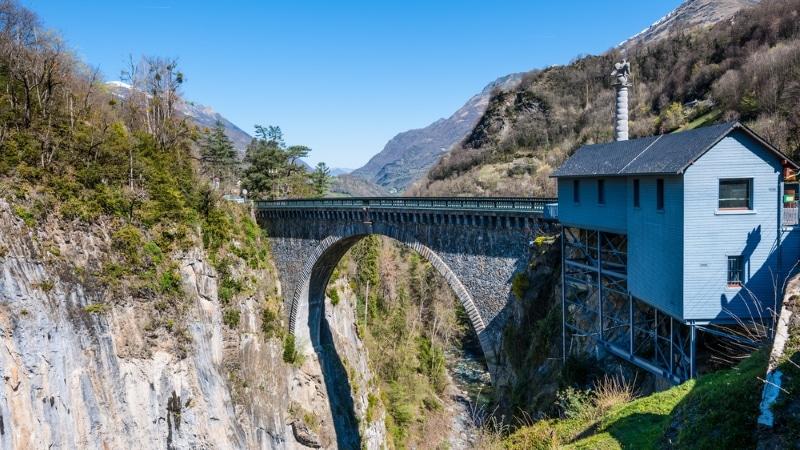 Pont Napoleon à Luz Saint Sauveur saut elastique pyrenees