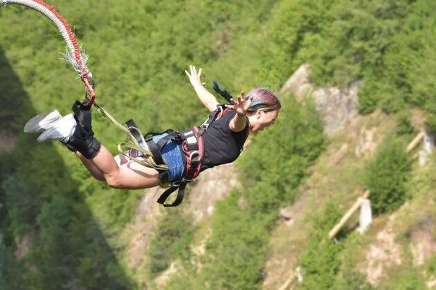 Où faire du saut à l'élastique dans les Gorges du Verdon ?