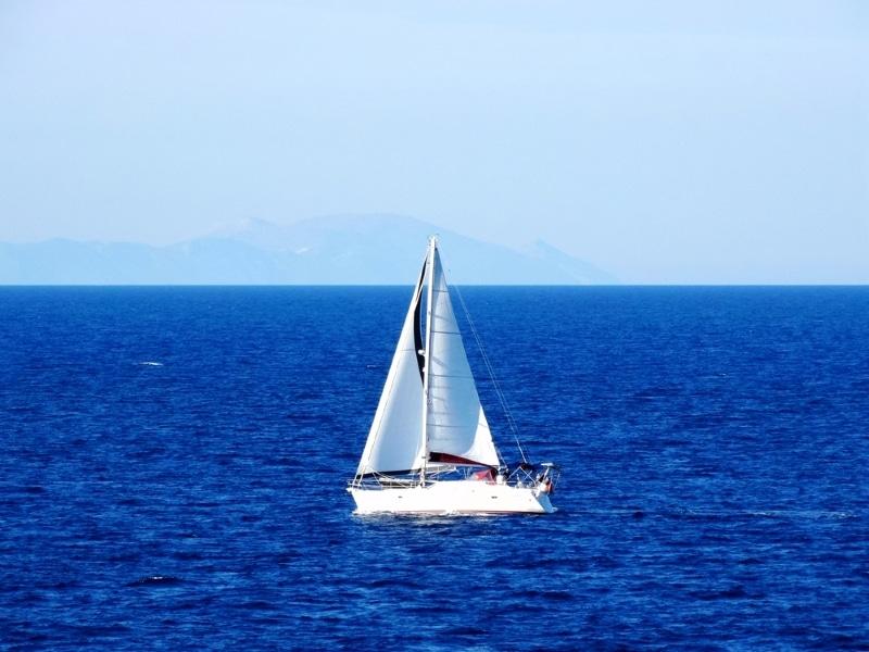 se déplacer paros bateau mer bleue