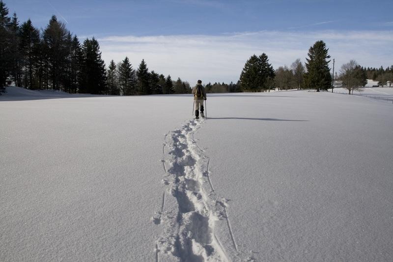 station de ski jura les gentianes, randonnée en raquettes