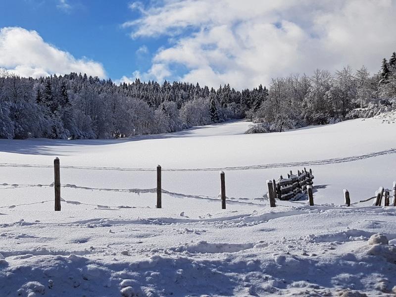station ski Jura sous la neige hauteville lompnes