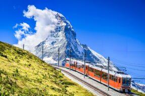 decouvrir et voyager en train en europe avec montagnes zermatt
