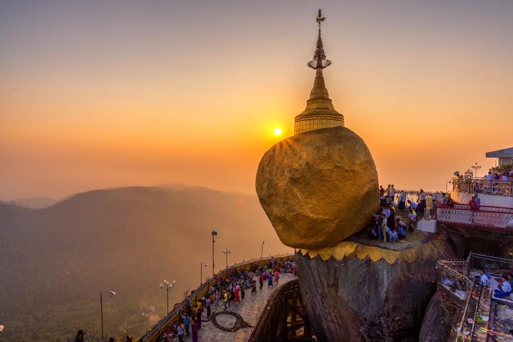 Le Rocher d'Or, Golden Rock, Birmanie