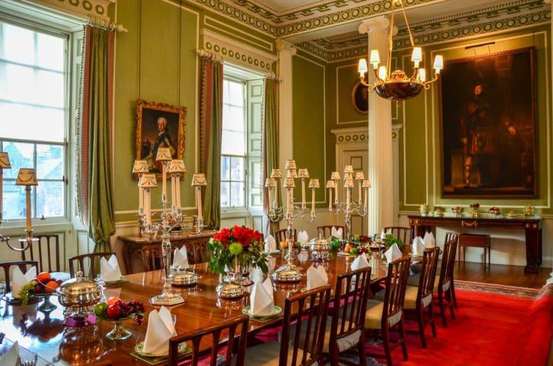Que voir et faire au Palais Holyrood à Edimbourg ?