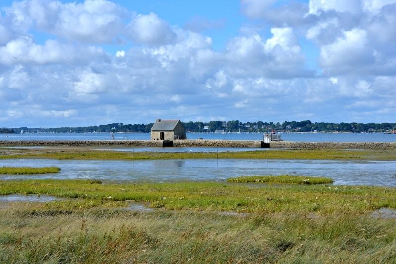 Ile d'Arz Morbihan Bretagne cabane au milieu de la mer