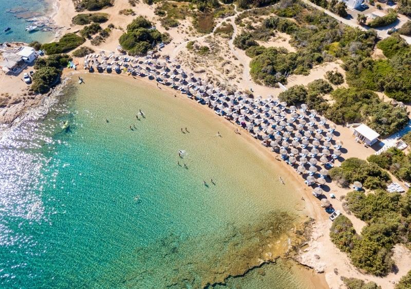 magnifique plage santa maria paros