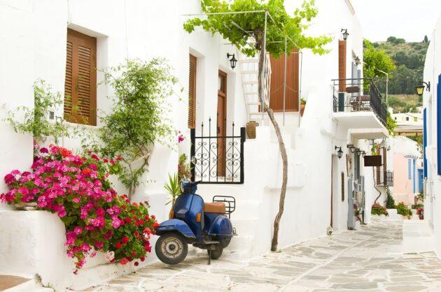 Où et comment louer un scooter à Paros ?
