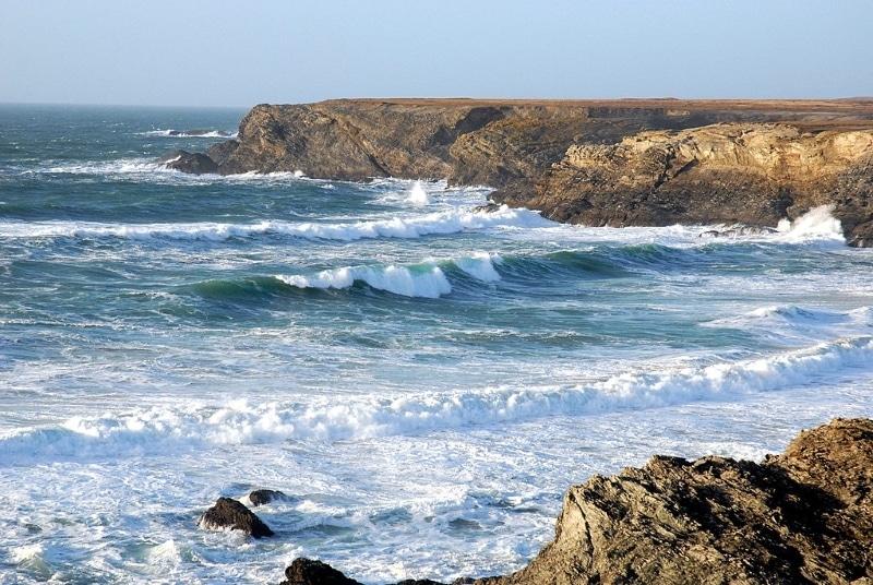 plage du donnant de belle ile en mer pendant tempete