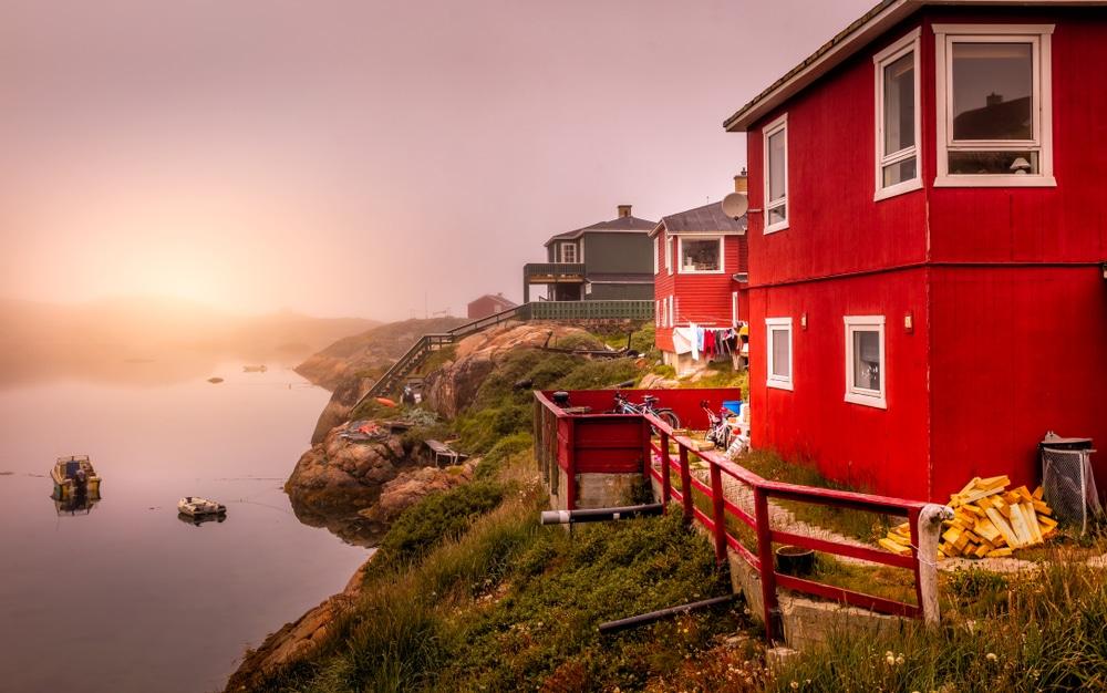Lever de soleil à Sisimiut au Groenland