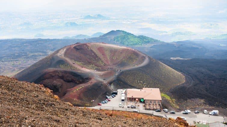 Touristes au Mont Etna
