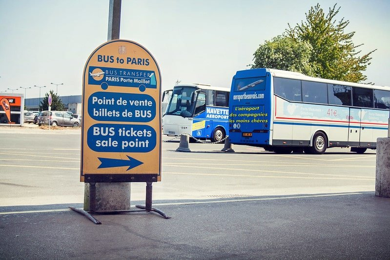Bus à l'aéroport de Beauvais
