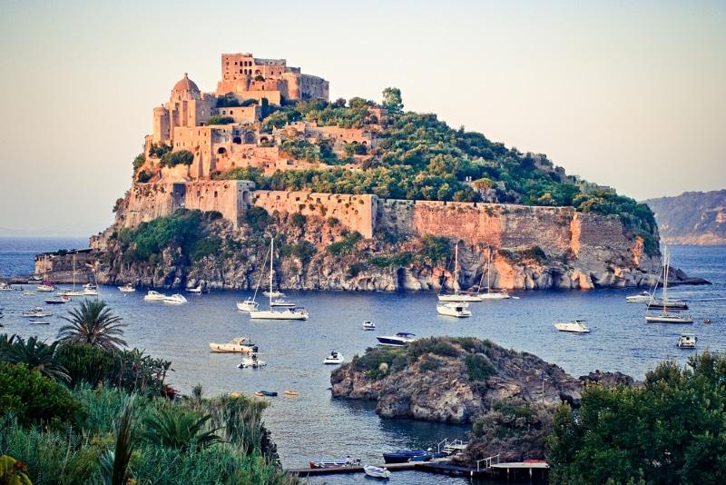 castella aragonese en italie