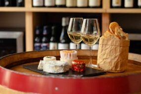 14 endroits où faire une dégustation de vins et fromages à Paris