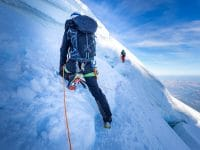 escalade a chamonix alpes dans la glace