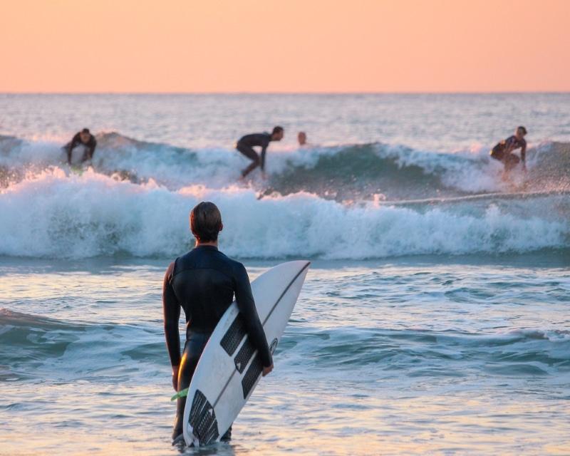 faire du surf a le trencat