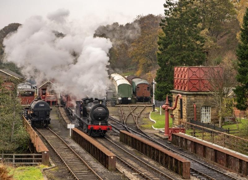 goathland castle train a vapeur sur les rails