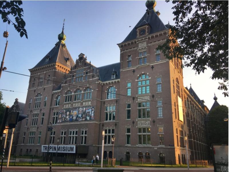 Bâtiment du musée tropical, Amsterdam
