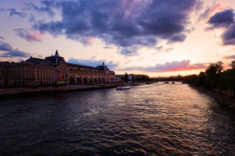 """Horaires et tarifs d""""une croisière sur la Seine à Paris"""