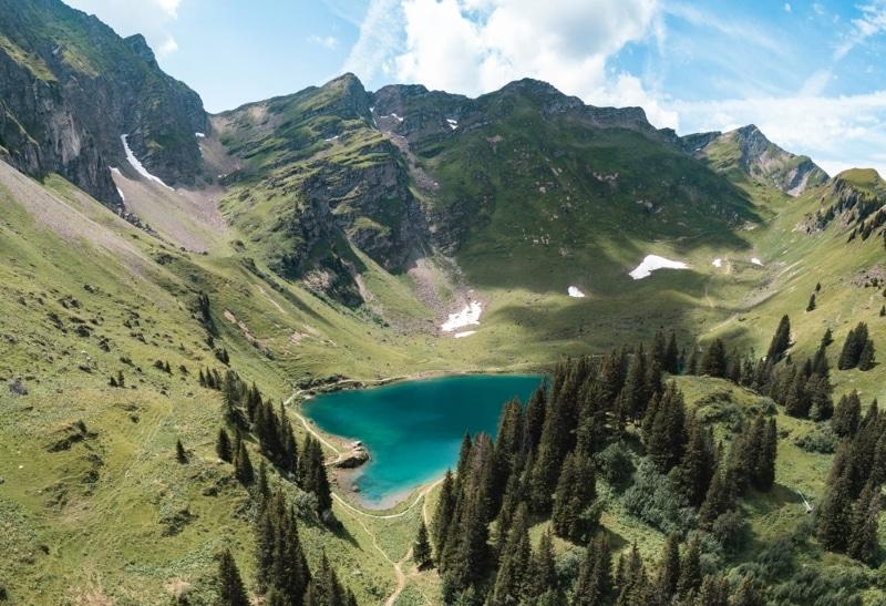 lac lioson dans les alpes pour de la plongee sous marine