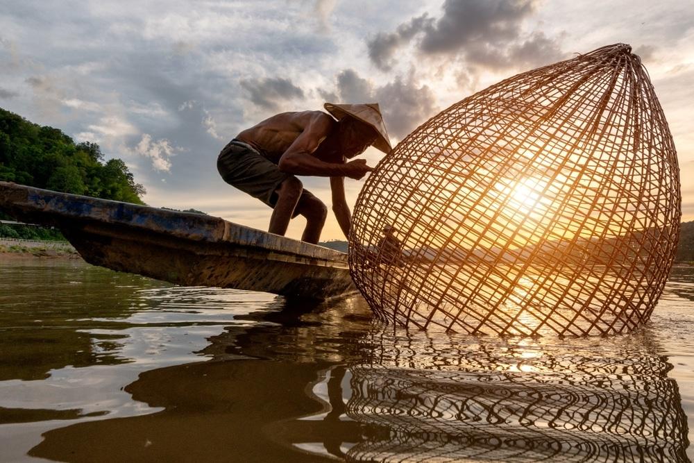 ou aller en 2020 direction le cambodge riviere coucher de soleil