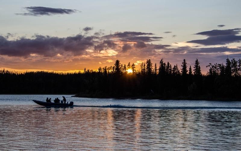peche riviere alaska coucher de soleil