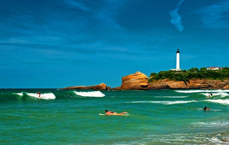 plage de biarritz dans le pays basque