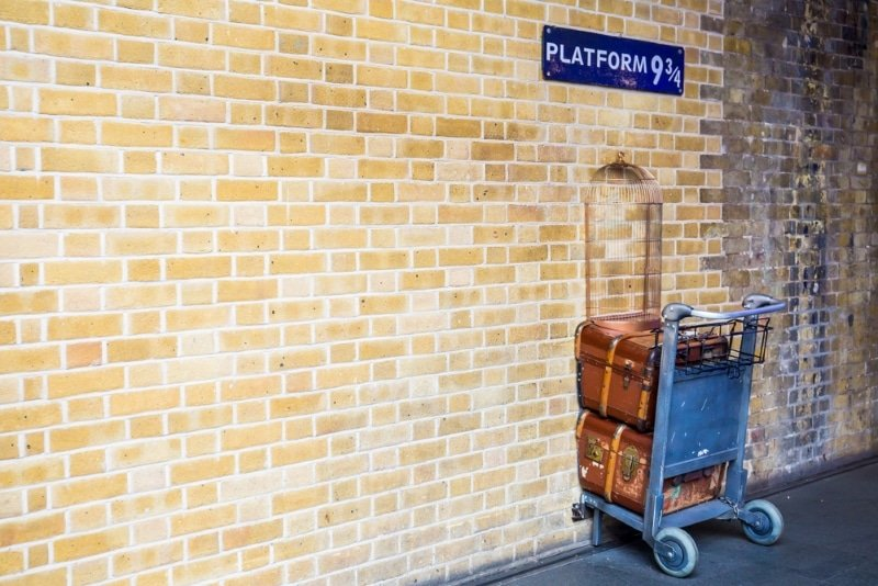 plateforme 9 3/4 gare de kings cross londres visiter lieux tournage harry potter