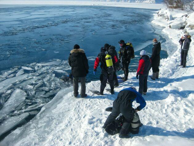 7 endroits où faire de la plongée sous glace dans les Alpes