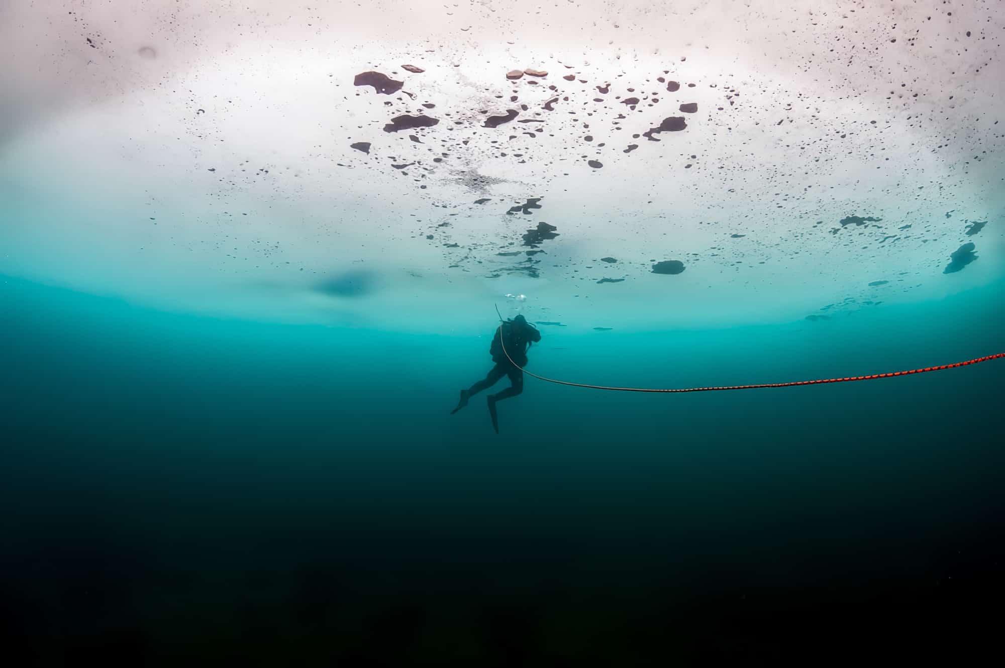 Où faire de la plongée sous glace dans les Pyrénées ?