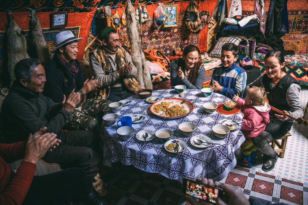rencontre peuple autochtone mongolie yourte