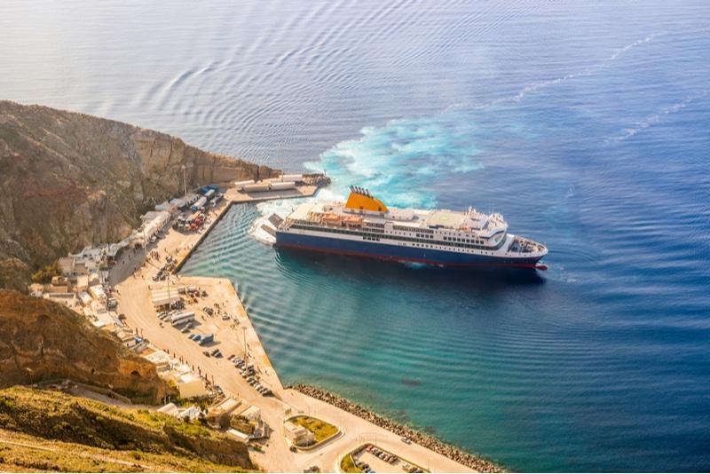 Ferry à Santorin