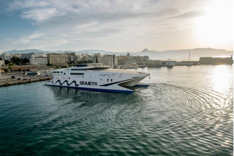 Ferry au port d'Héraklion
