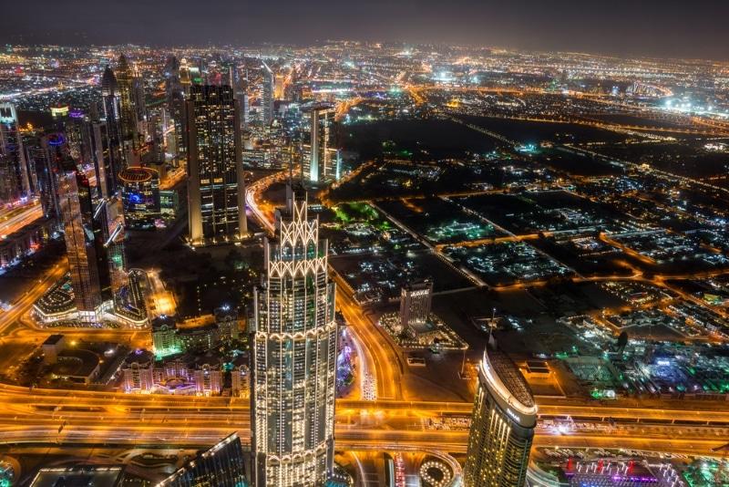 sommet tour burj khalifa dubai vue de nuit