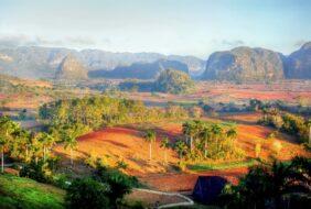 vallee vinales cuba couleurs montagnes