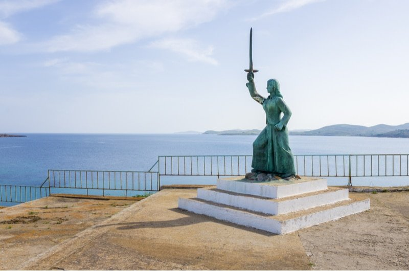 Statue de Maroula à Lemnos