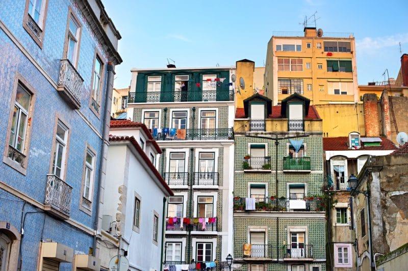 Bâtiments colorés, Alfama, Lisbonne