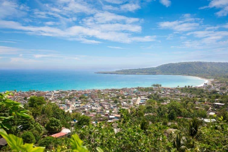 Panorama de la ville de Baracoa à Cuba