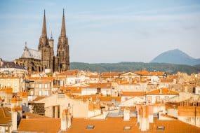 Vue sur Clermont-Ferrand et sa cathédrale