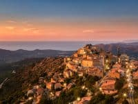 Louer un camping car en Corse