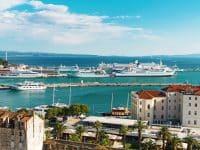 Ferries au port de Split en Croatie