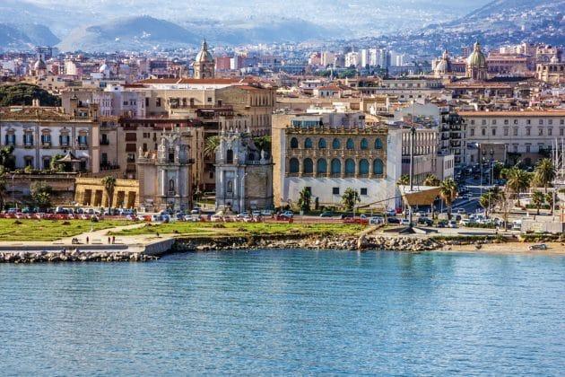 Comment aller à Palerme depuis Naples en ferry ?