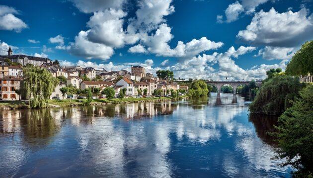 Comment et où louer un Camping-Car dans la région de Limoges ?
